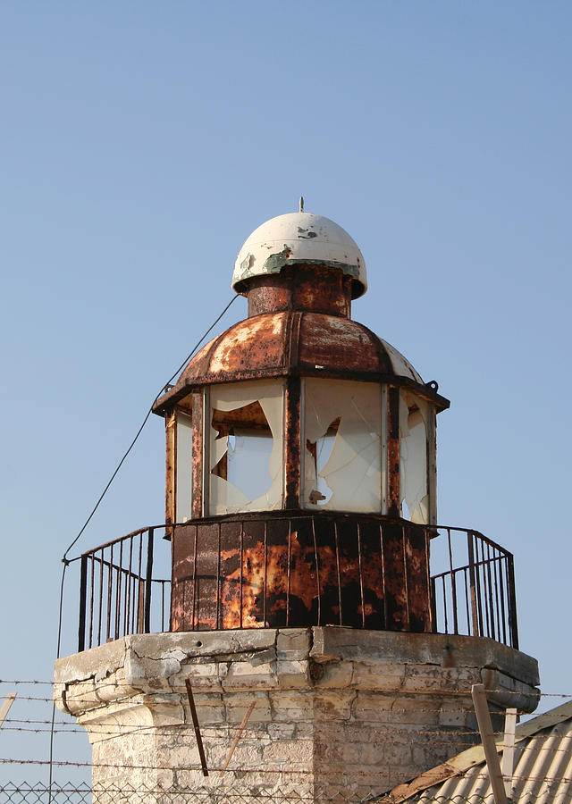 Abandoned Photograph - Abandoned Lighthouse by Gaile Griffin Peers