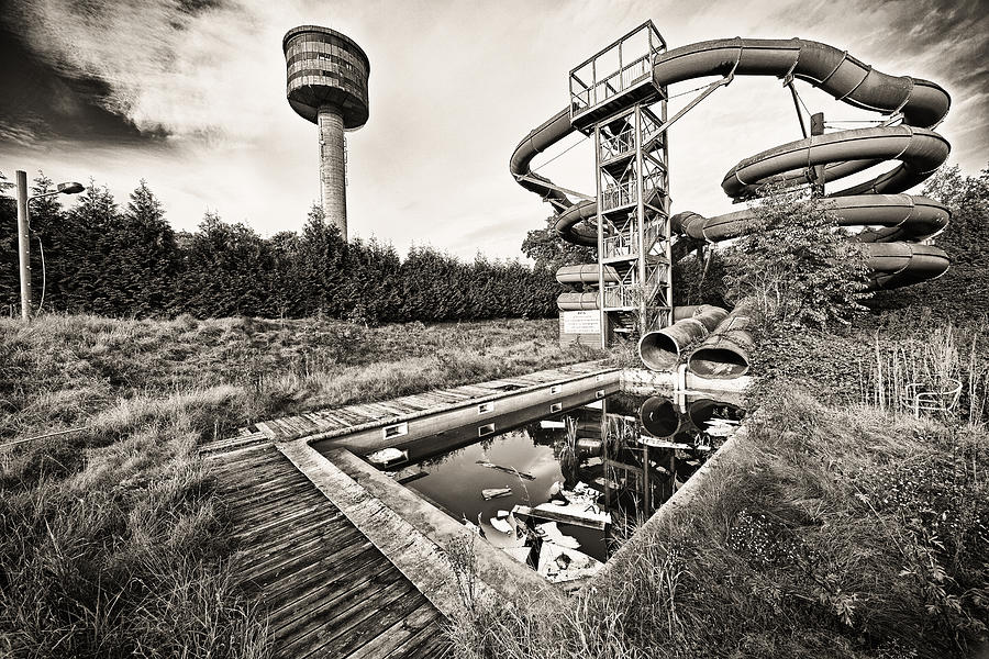 Belgium Photograph - Abandoned Swimming Pool - Lost Places by Dirk Ercken
