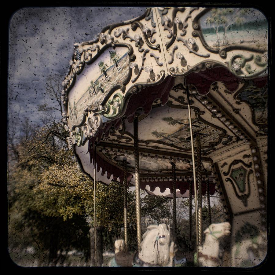 Ttv Photograph - Abandoned Wonder by Andrew Paranavitana