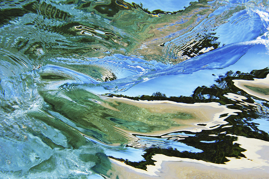 Abstract Photograph - Abstract Underwater 4 by Vince Cavataio - Printscapes