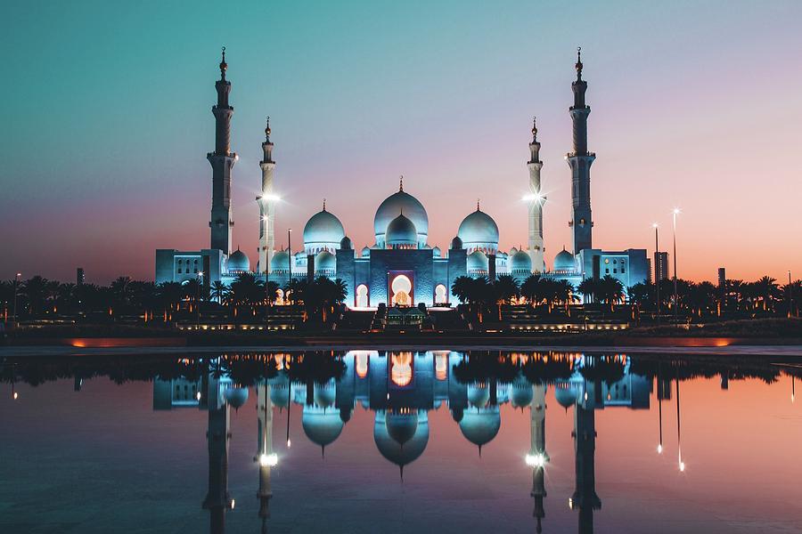 Abu Dhabi Photograph - Abu Dhabi Mosque by David Rodrigo