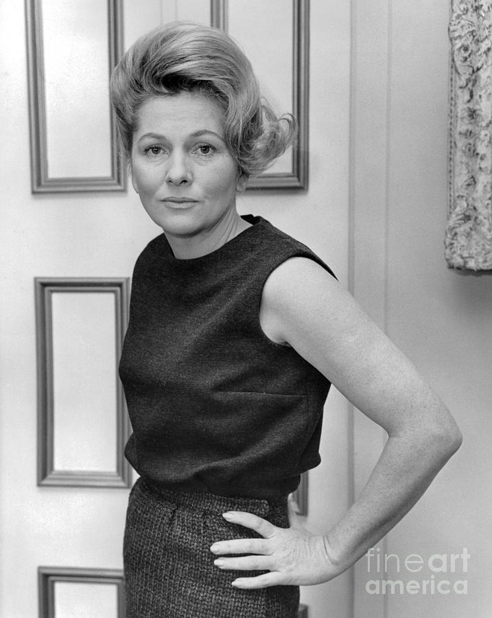 Actress, Joan Fontaine, Poses For The Ny Post. 1962 Photograph by William Jacobellis
