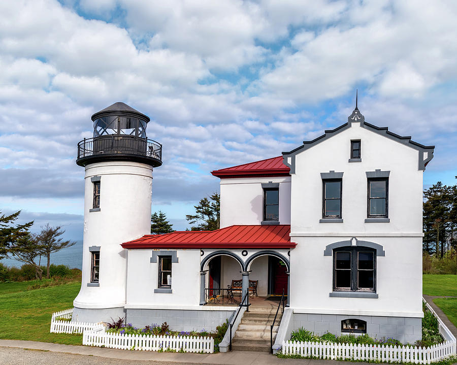 Admiralty Head Lighthouse by Harold Coleman