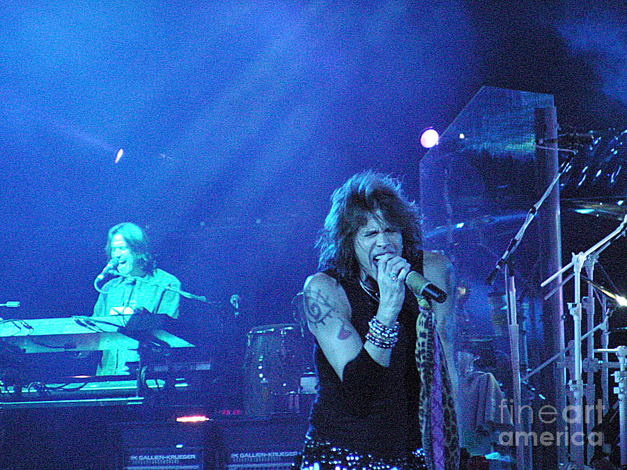 Aerosmith Photograph - Aerosmith-steven Tyler-00107 by Gary Gingrich Galleries