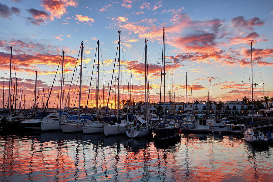 Afterglow in Puerto de Mogan by Marc Huebner
