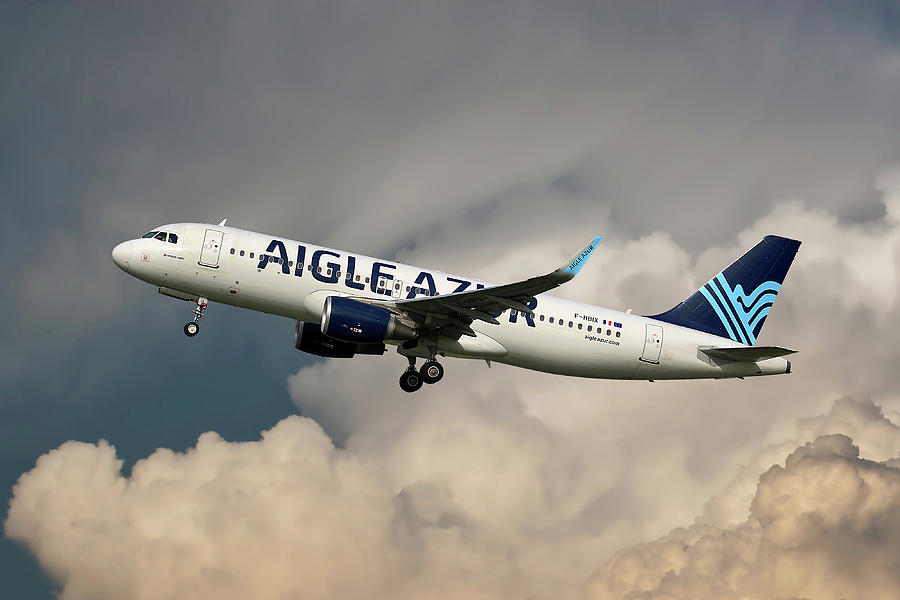 Airbus Photograph - Aigle Azur Airbus A320-200 by Smart Aviation