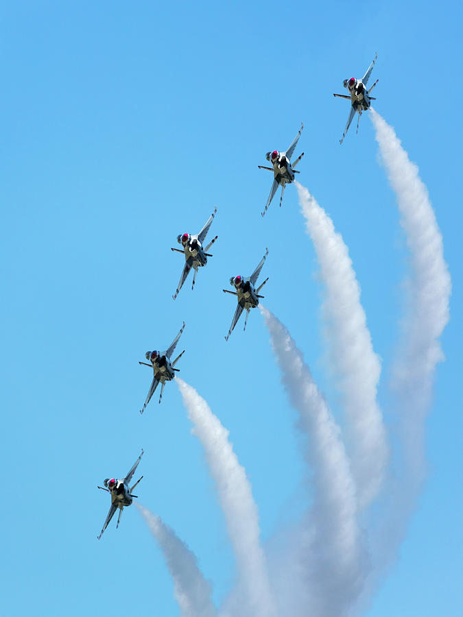 Air Force Thunderbirds Turn Maneuver by Allen Ahner