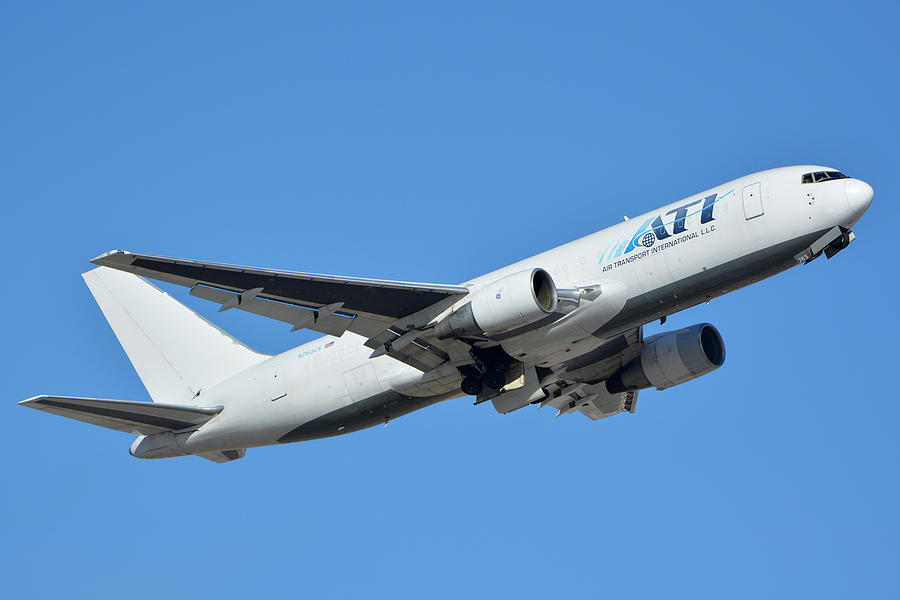 Airplane Photograph - Air Transport International Boeing 767-232 N763cx Phoenix Sky Harbor January 19 2016  by Brian Lockett