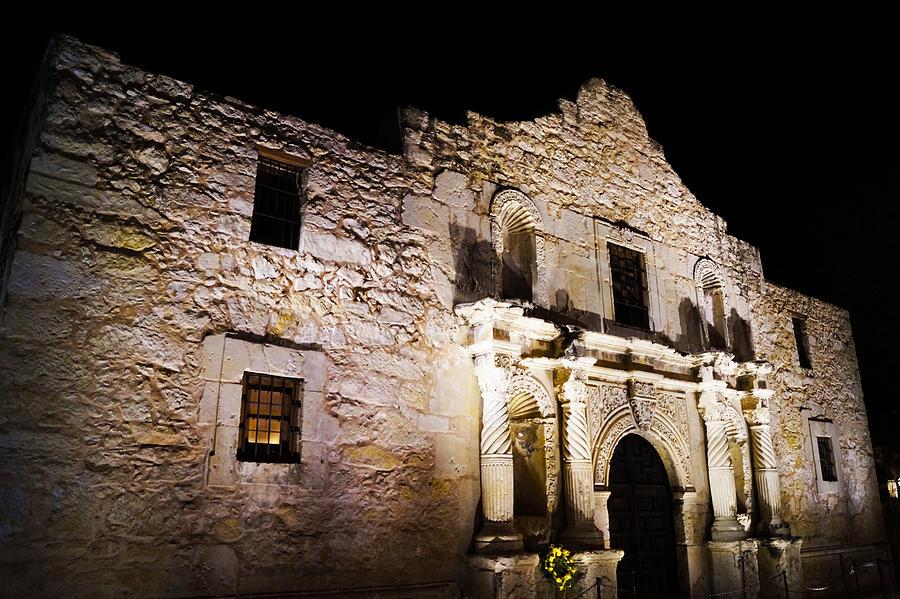 The Alamo Photograph - Alamo Remembrance by Craig David Morrison