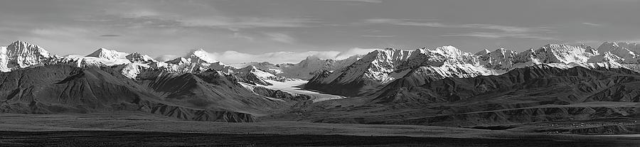 Alaska Photograph - Alaska Range Center Panel by Peter J Sucy