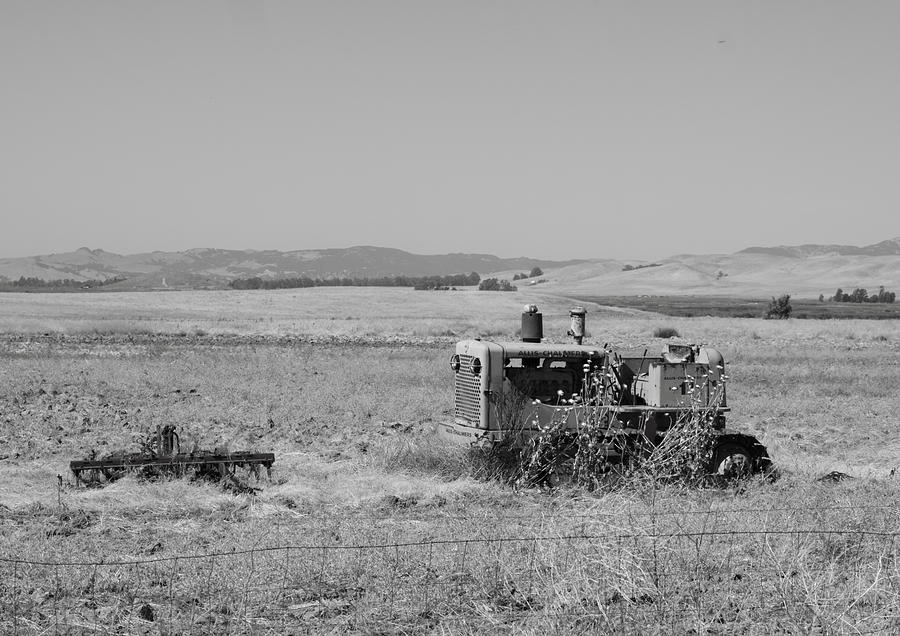 Abandoned Photograph - Allis-chalmers Tractor by Troy Montemayor