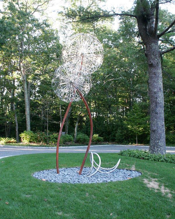 Abstract Sculpture - Alliums by David Tonnesen