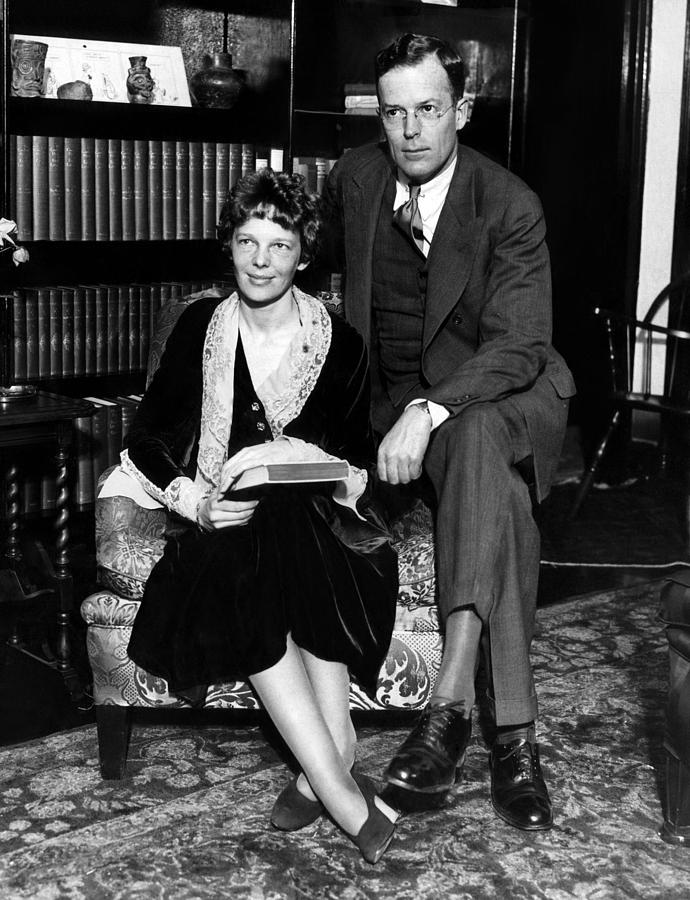 1930s Photograph - Amelia Earhart And Her Husband George by Everett
