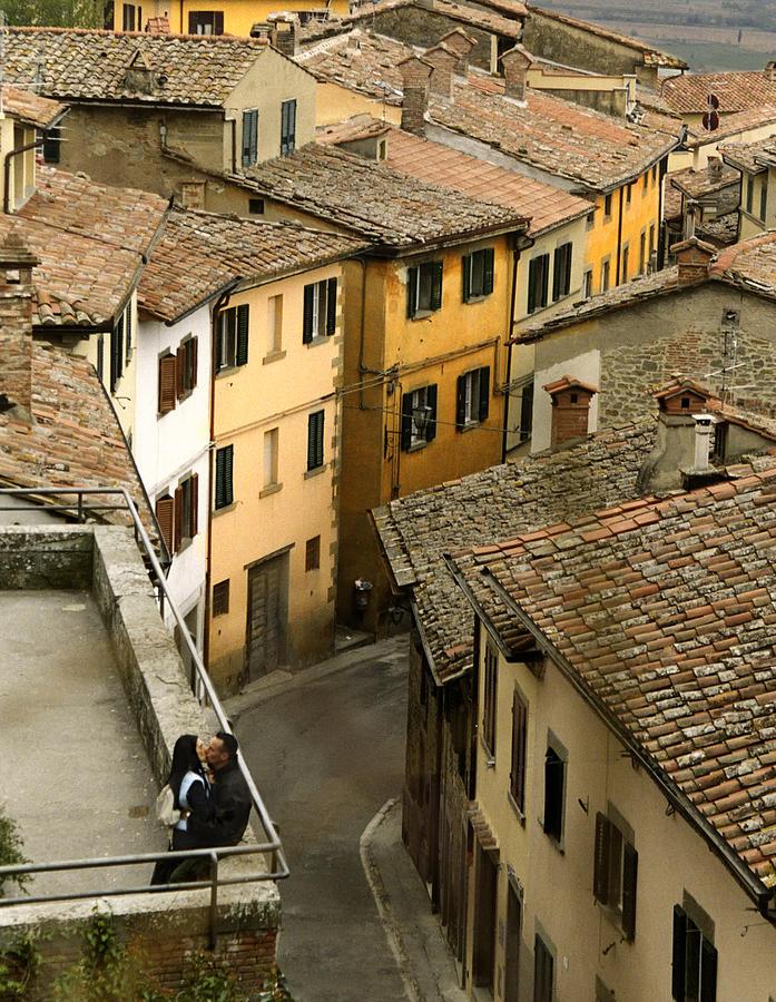 Adulation Photograph - Amore In Cortona by Al Hurley