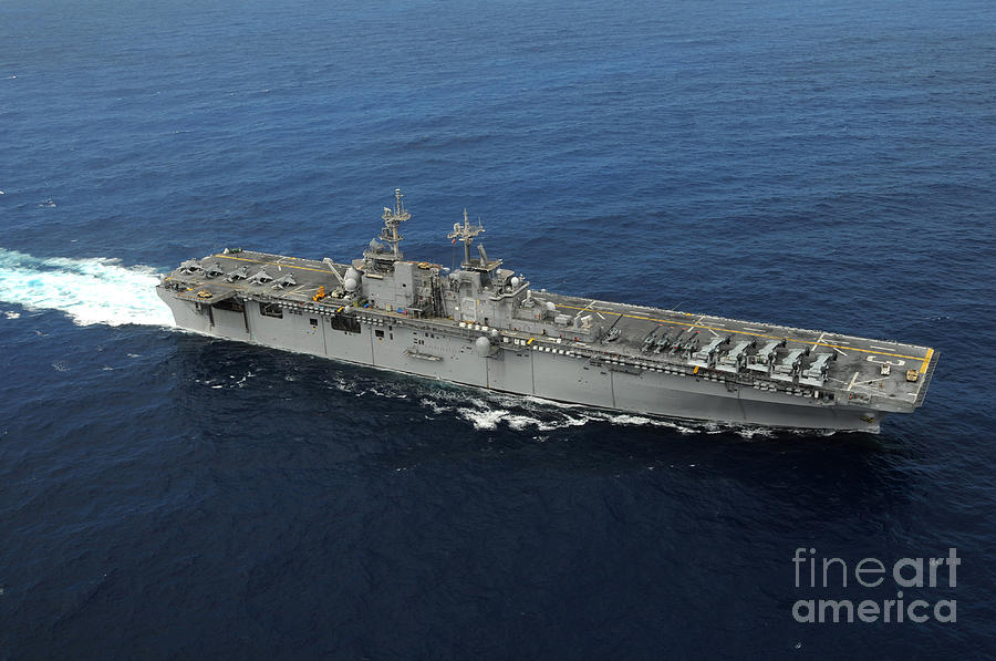kearsarge chat Uss kearsarge lhd-3 & ch46-ch47-av-8b 3d model available on turbo squid, the world's leading provider of digital 3d models for visualization, films, television, and games.