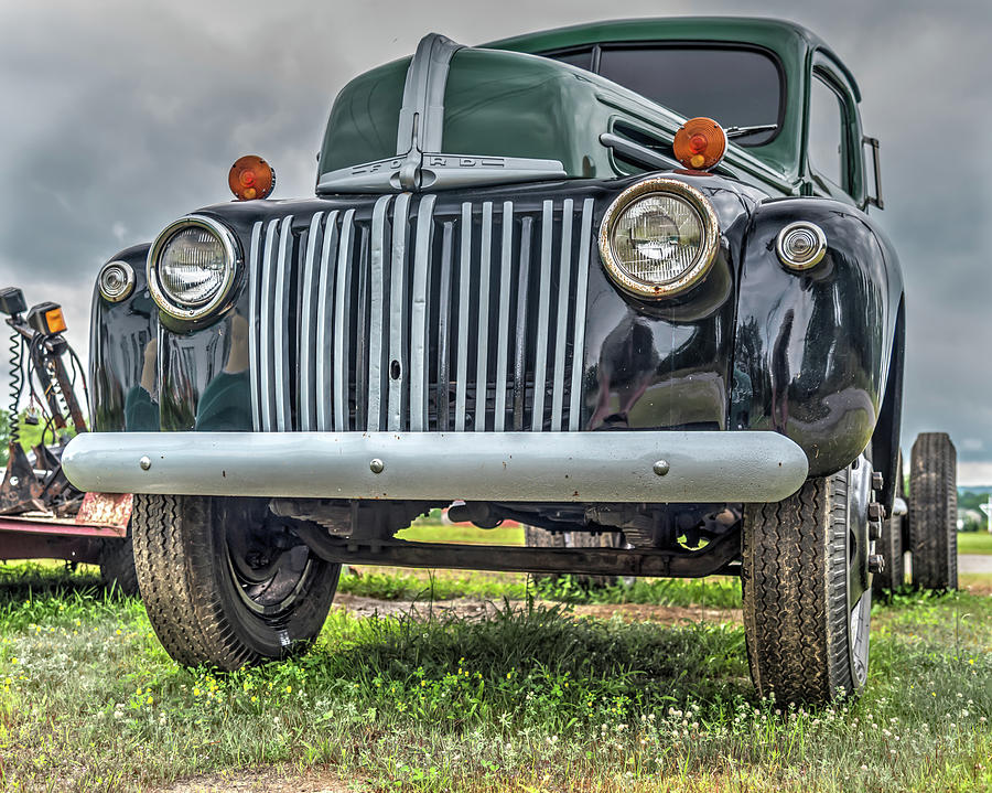 Ford Photograph - An Old Green Ford Truck by Guy Whiteley