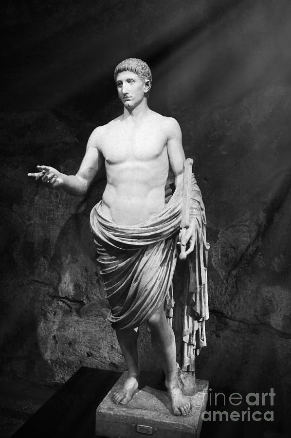 Statue Photograph - Ancient Roman People - Ancient Rome by Stefano Senise
