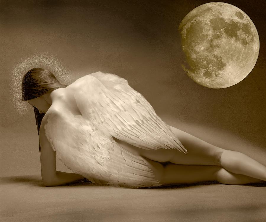 Angel Digital Art - Angel And Moon by Gustavo Fortunatto