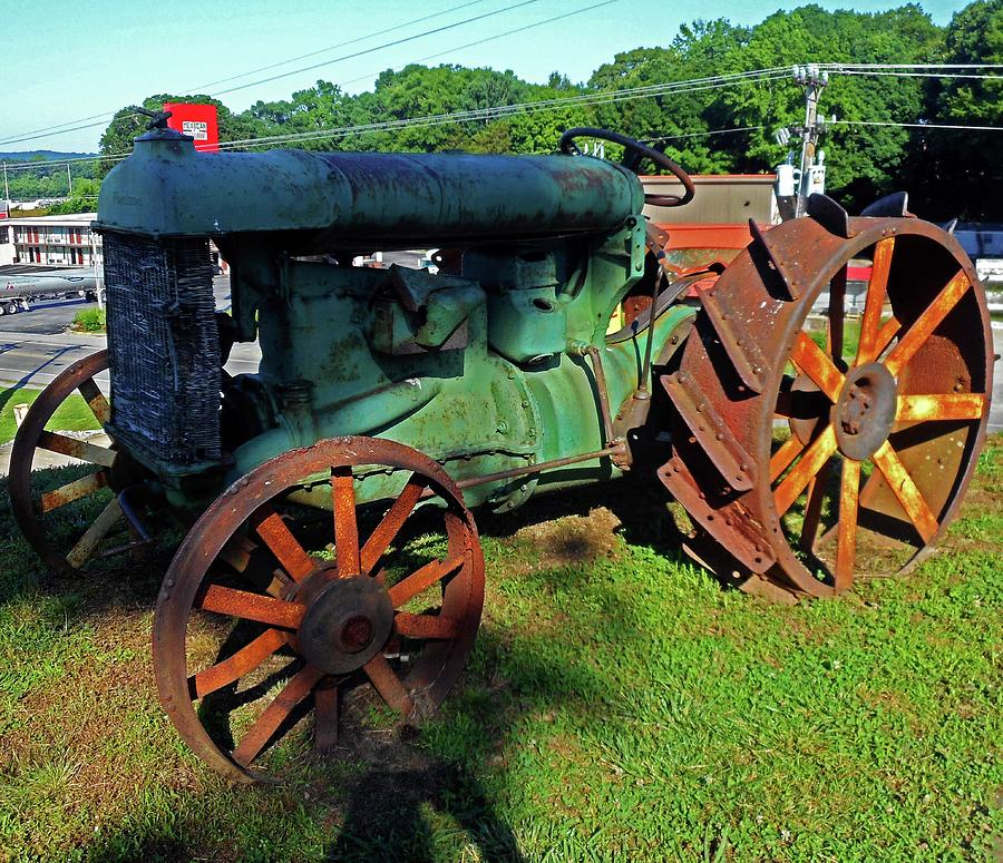 Hurricane Mills Photograph - Antique Tractor 3 by Ron Kandt
