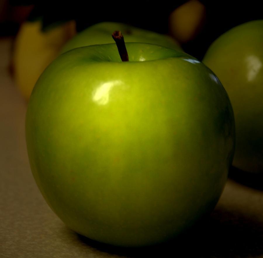 Green Apples Photograph - Apple by Linda Sannuti