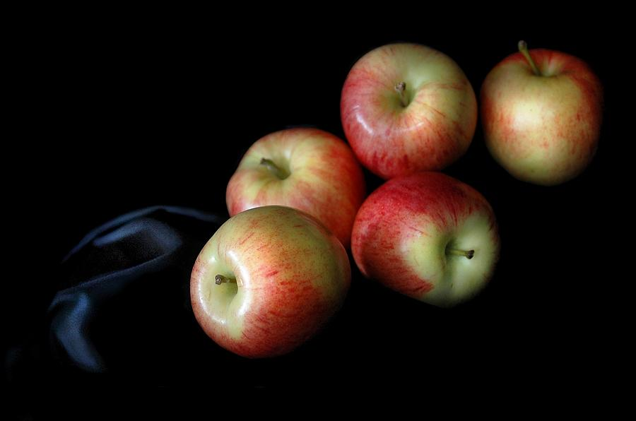 Still Life Photograph - Appleanche by Dan Holm