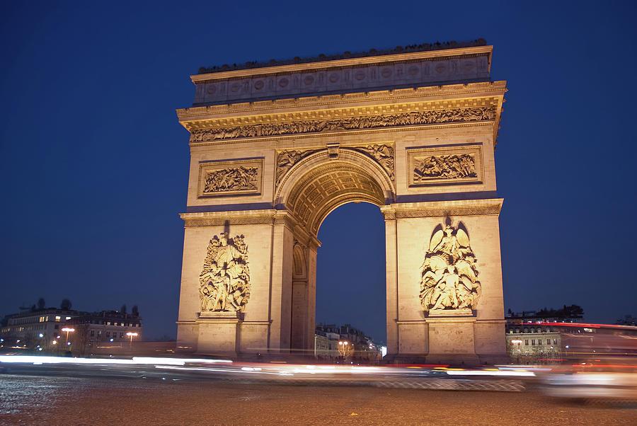 Horizontal Photograph - Arc De Triomphe, Paris, France by David Min
