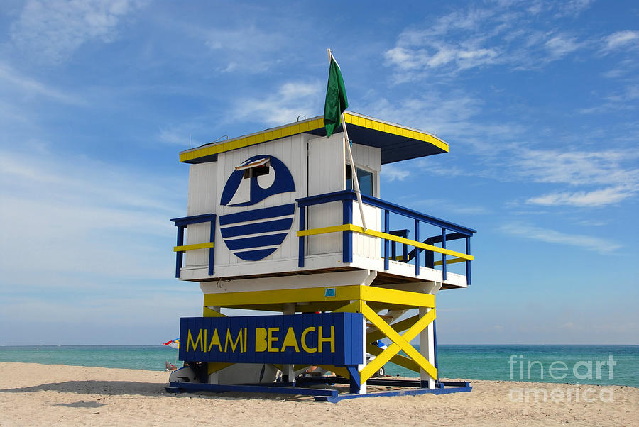 Miami Beach Photograph - Art Deco Lifeguard Stand by David Lee Thompson