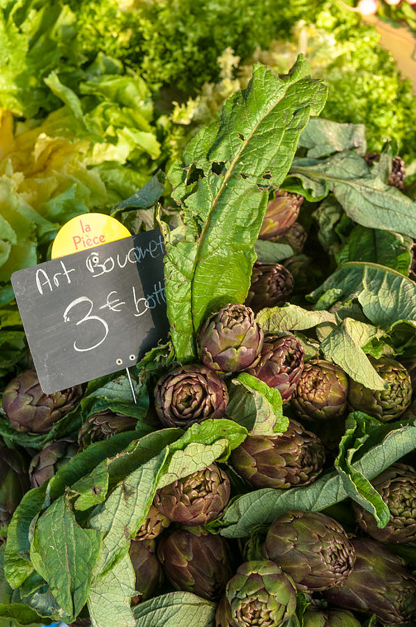 Artichokes for sale by Philippe Taka