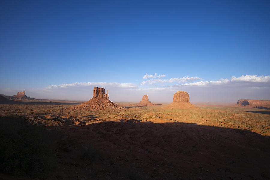Monument Valley Photograph - As Evening Falls by Richard Henne