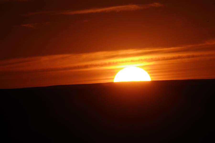 Sun Photograph - As The Day Settles by Jeff Swan