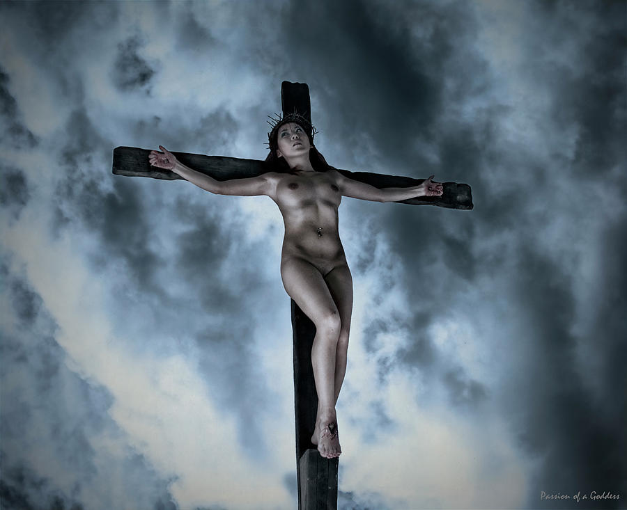cross a crucified Women on