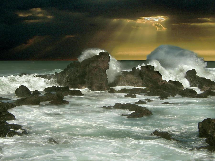Atlantic Nor'easter by michaelalonzo kominsky
