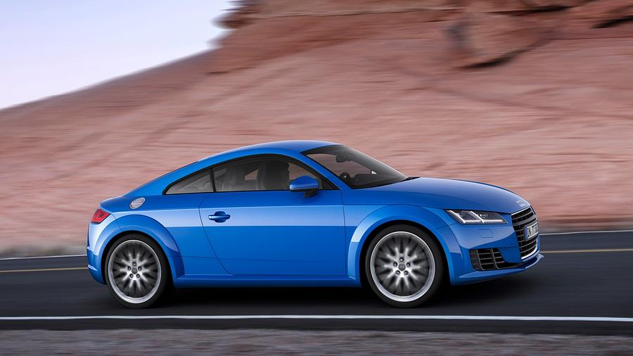 Audi Tt Digital Art - Audi Tt by Dorothy Binder