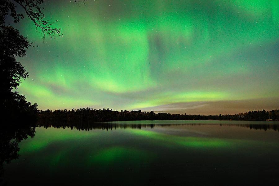 Aurora Borealis Photograph - Aurora Over Tofte Lake by Larry Ricker