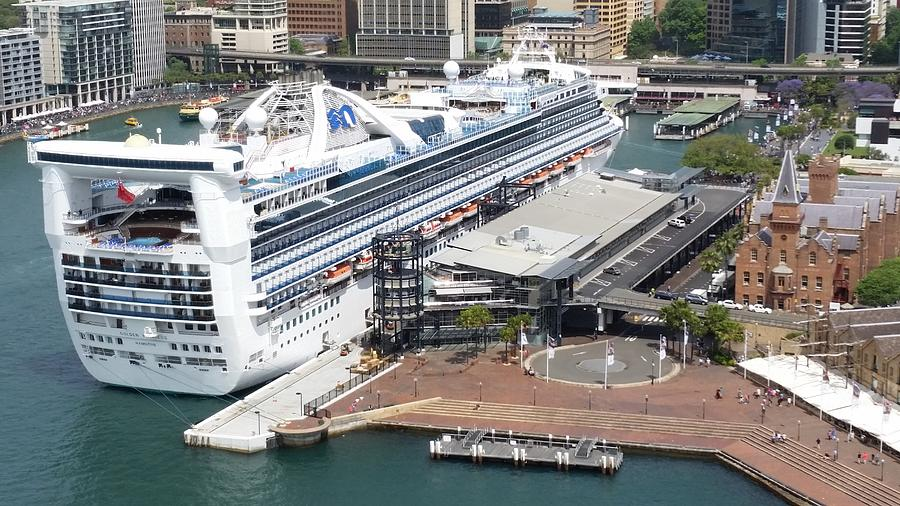 27+ Are Cruise Ships Docking In Sydney  Pics