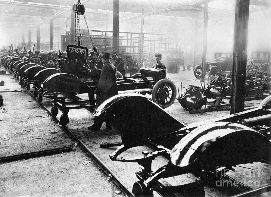 1910 Photograph - Automobile Manufacturing by Granger