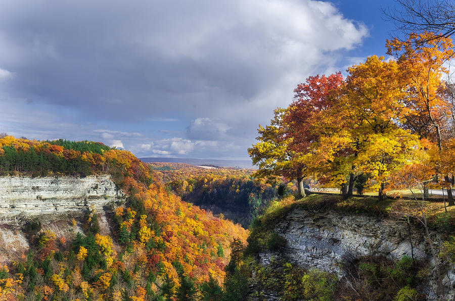 Letchworth State Park Photograph - Autumn In Letchworth by Mark Papke