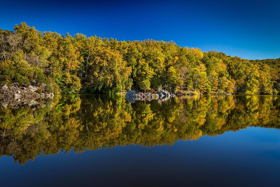 Autumn Photograph - Autumn on the Potomac by Robert Davis