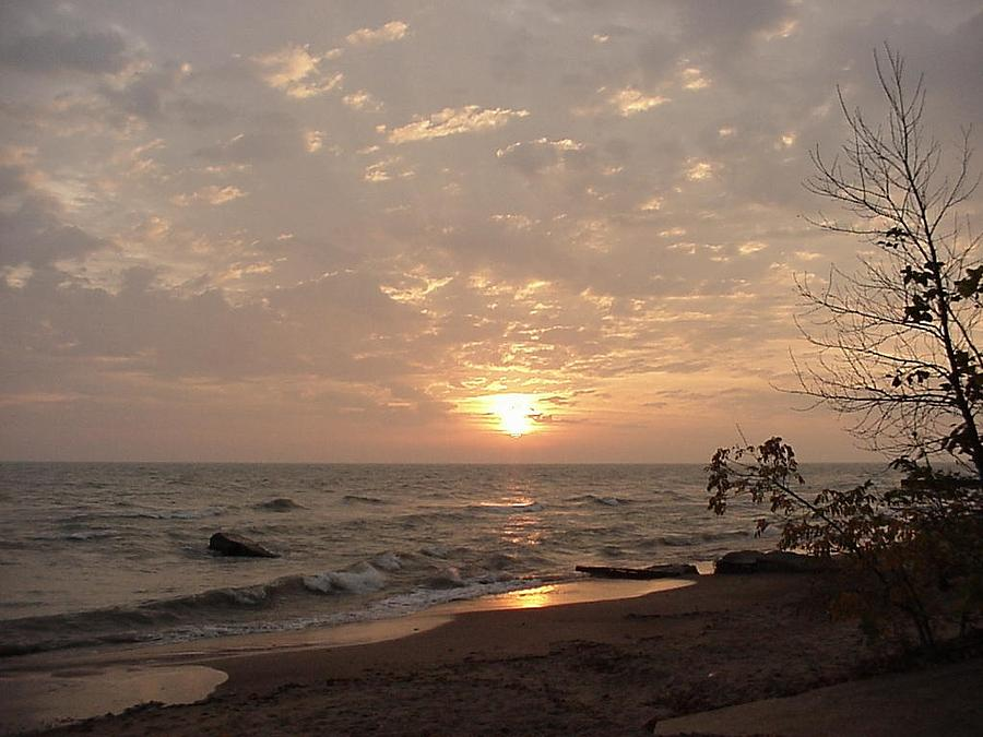 Sunrise Photograph - Autumn Sunrise Over Lake Michigan-winnetka by Darlene DeMille