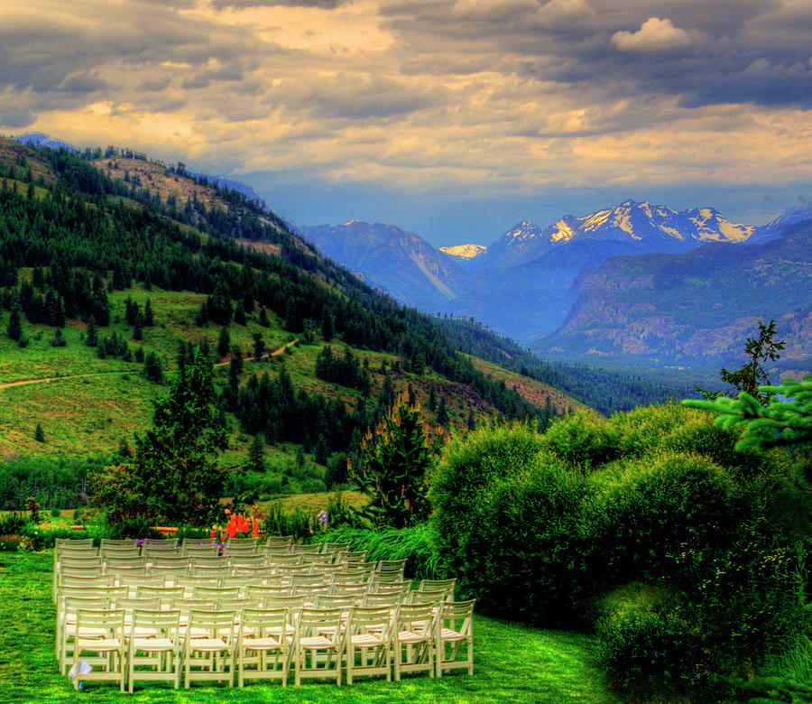 Sun Mountain Photograph - Awaiting The Bride by Dale Stillman