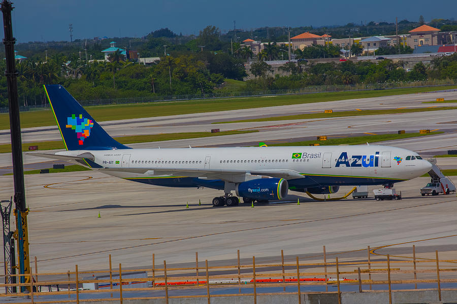Azul Barzillian Airline Photograph by Dart and Suze Humeston