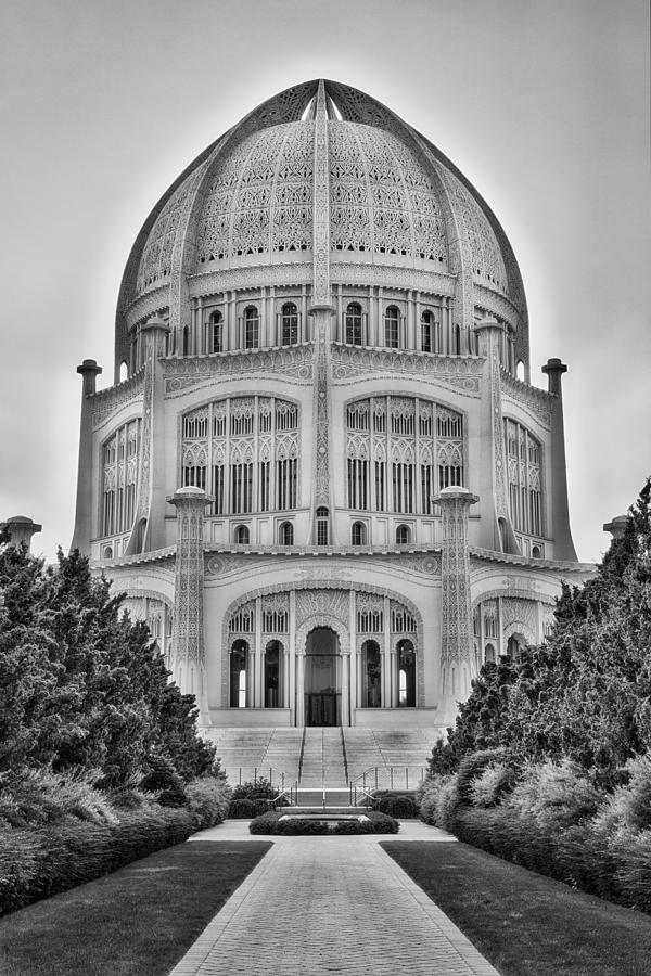 Baha'i Temple - Wilmette - Illinois - Vertical Black and White by Photography  By Sai