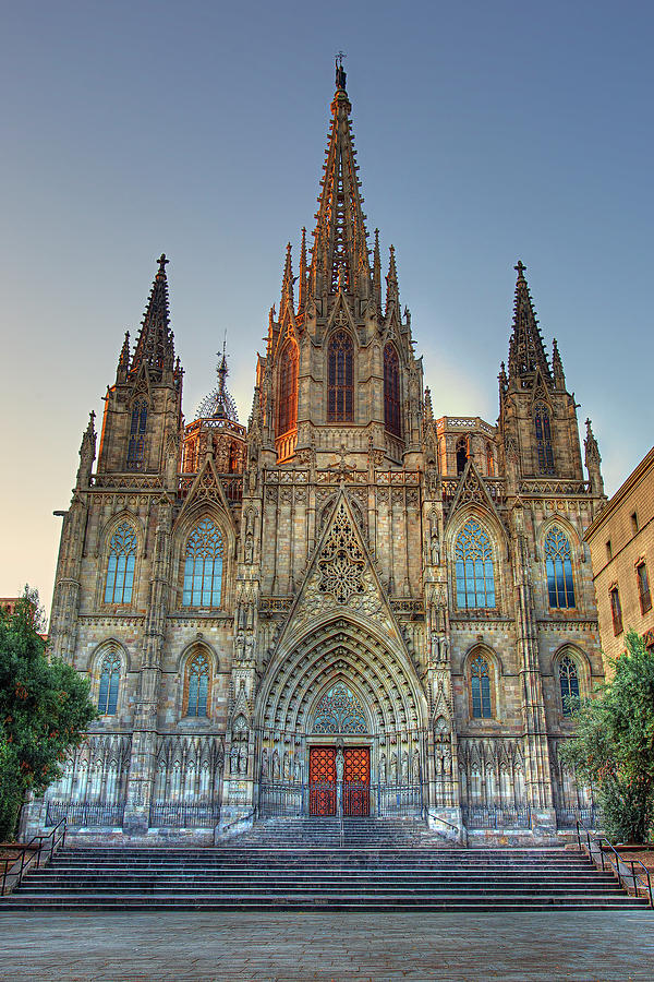 Barcelona Cathedral by Peter Kennett