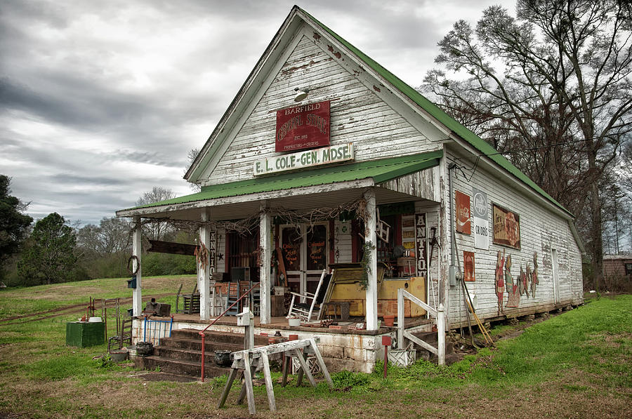 Barfield General Store by Daryl Clark