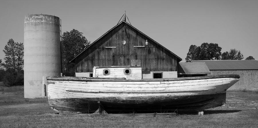 Barn And Boat - Door County Photograph by Stephen Mack