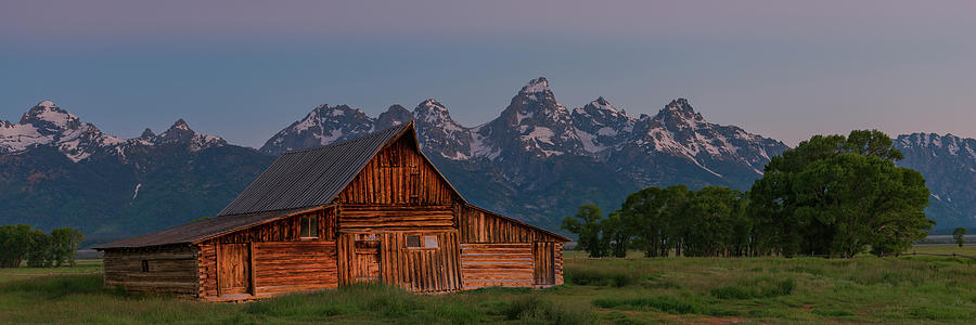 Barn on Mormon Row by Gary Lengyel