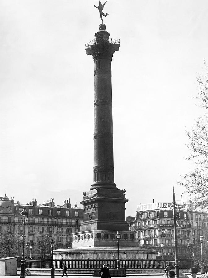 1910s Photograph - Bastille Monument In Paris by Underwood Archives