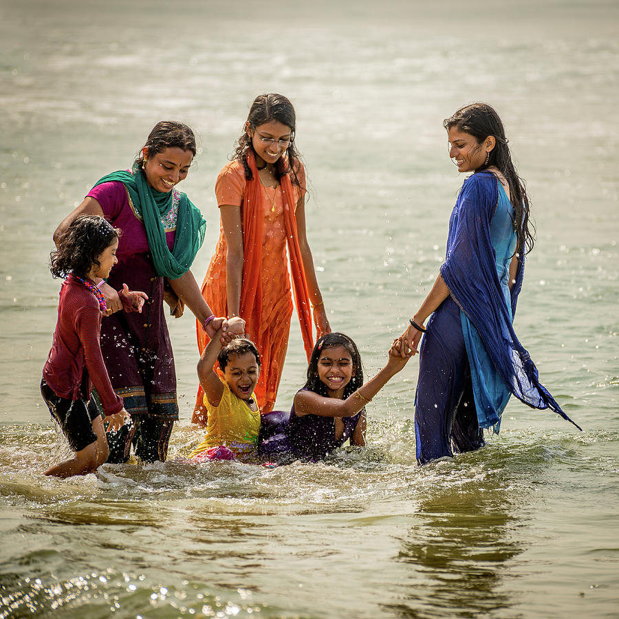 India Photograph - Bathing at Varkala II by Peter OReilly