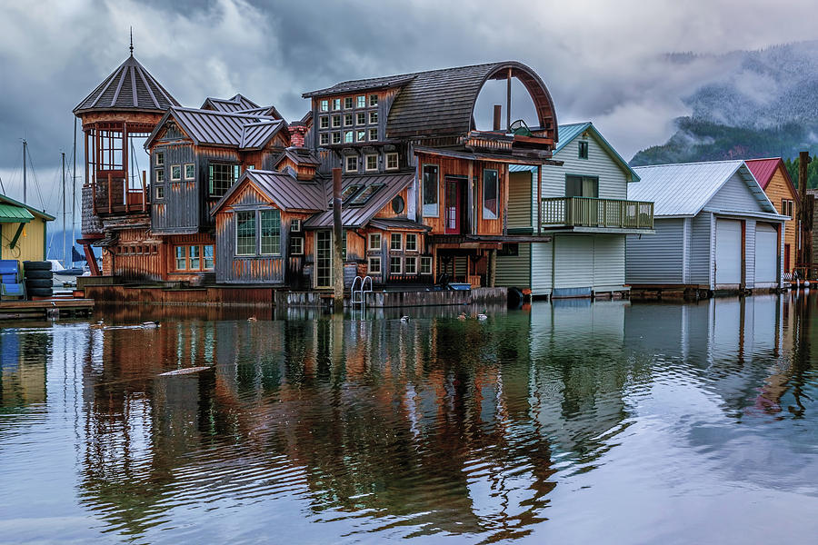 Bayview Houseboat by Harold Coleman