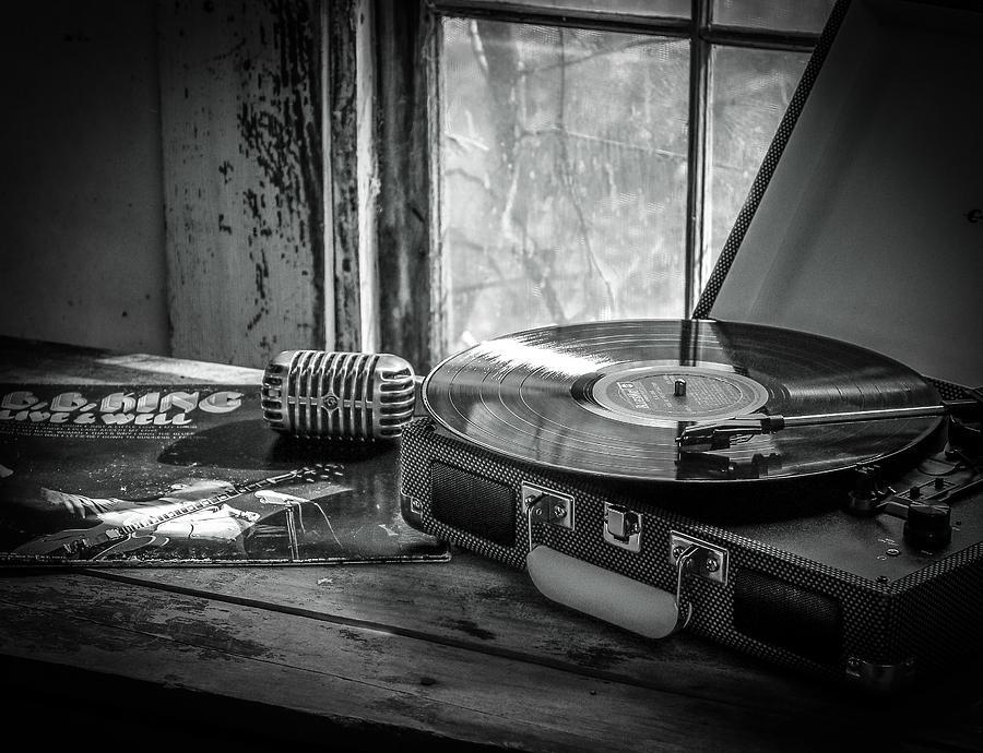 B.b. King Photograph - B.B. on Record by EG Kight